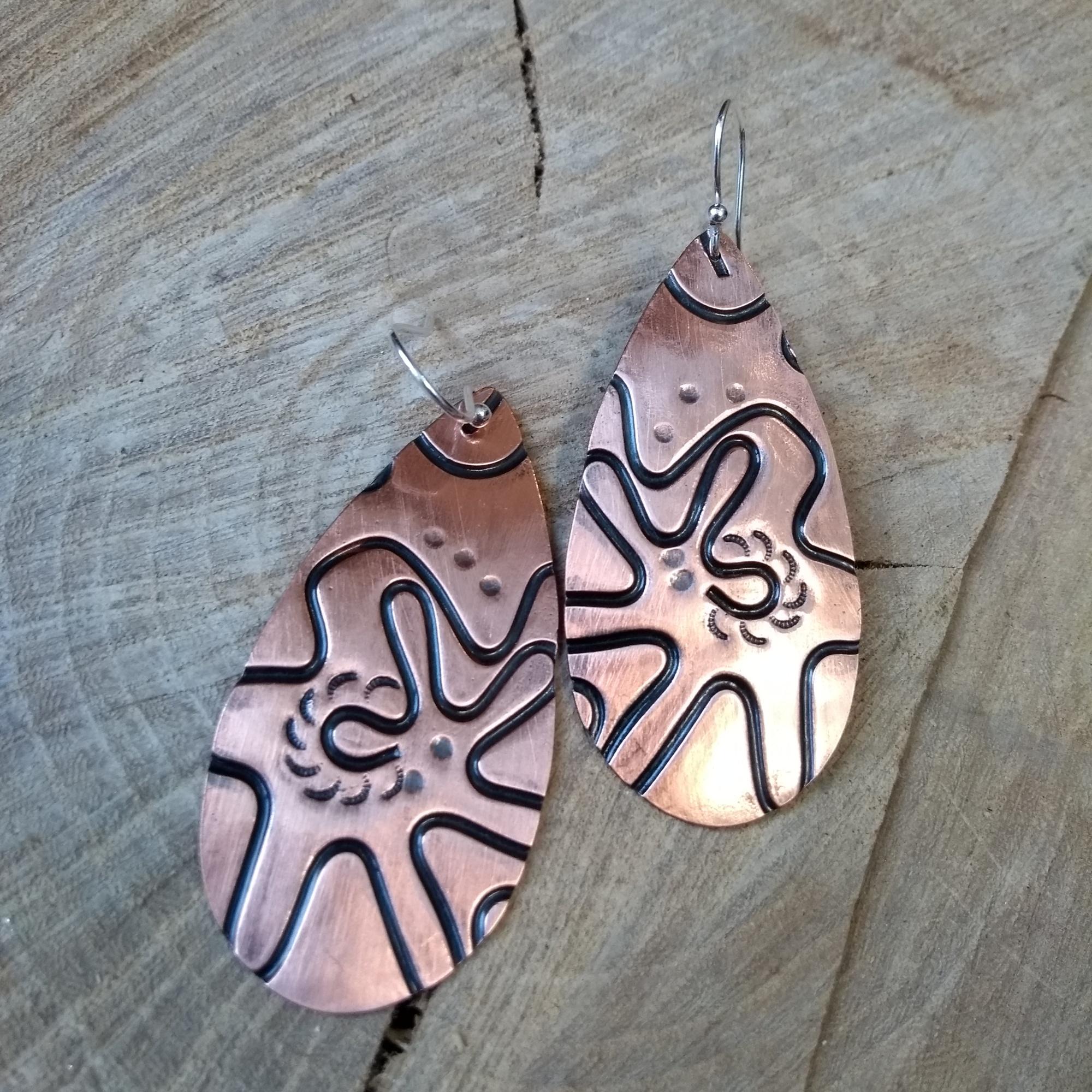 Copper oval textured dangle earrings